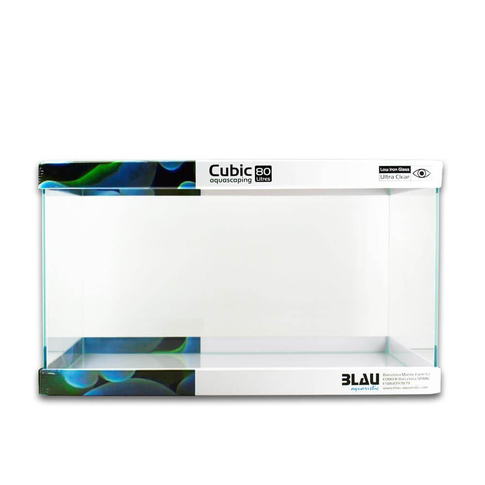 Vista de un acuario Cubic Aquascaping de 80 litros de capacidad.