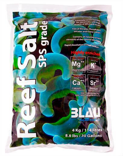 Vista de una bolsa de sal sintética de 4 kg para acuarios de agua salada.