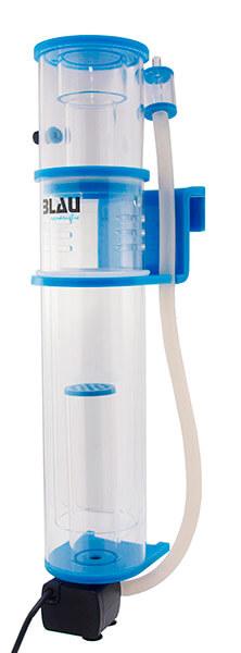 Vista de una nano skimmer con bomba DC para acuarios de hasta 120 litros.